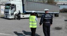 Non hanno dormito quanto avrebbero dovuto, multati due camionisti